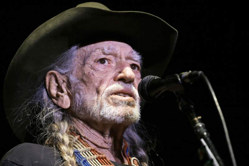 Willie Nelson will receive an award at this year's Emerald Cup